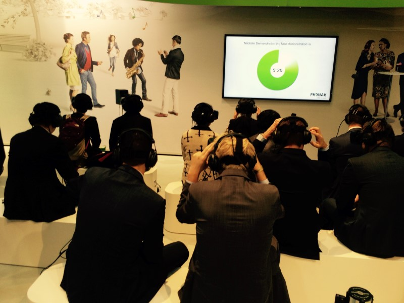 Product Launch with VR Phonak 2014 5