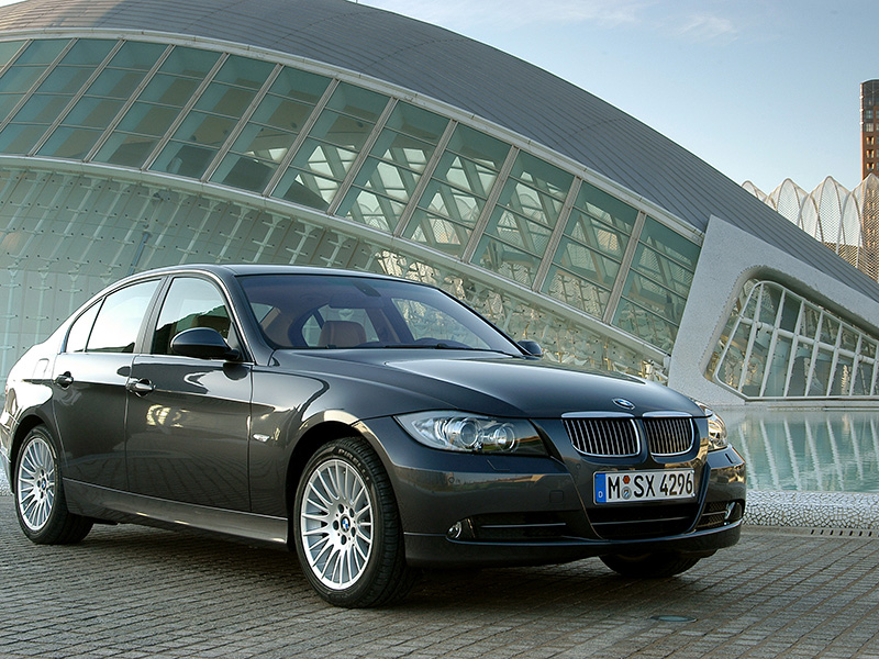 International product launch BMW Serie 3 2